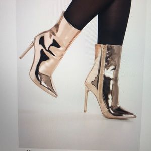 Steve Madden High Heel Ankle Boots in Rose Gold